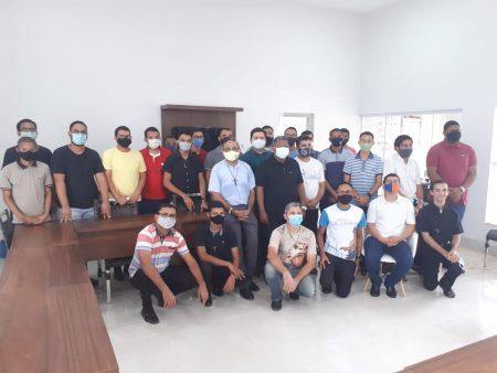 Arcebispo de Palmas, Dom Pedro Brito, apresenta sede do Regional Norte 3 aos seminaristas das Dioceses do Tocantins